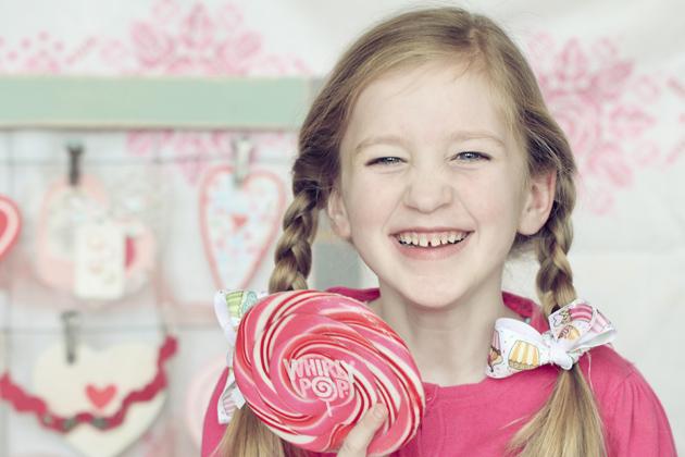 lollipop 1 girl wrinkle nose smile