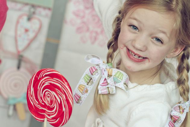 lollipop 13 messy face